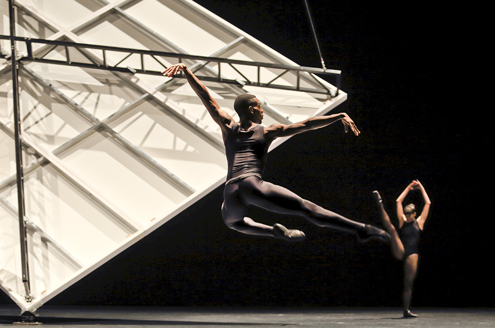 Limb's Theorem, William Forsythe / Ballet de l'Opéra de Lyon