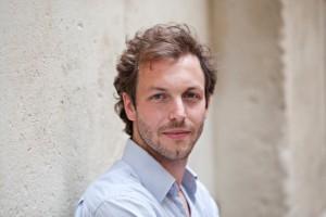 Julien Fišera « Mettre en scène c'est faire entendre une voix : celle d'un écrivain »