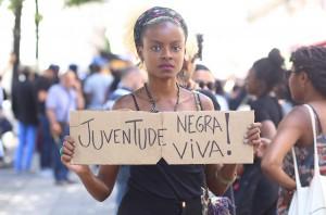 Ana Pi « Décoloniser les corps et secouer les institutions »